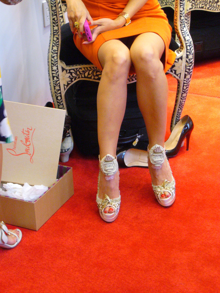 The owner of a white pair of Marie Antoinettes; Image via Denise Kuan/ THE POP FIX, Copyright 2009