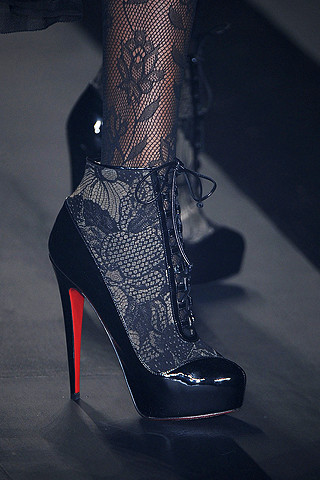 Christian Louboutin's shoes on 3.1 Phillip Lim's Fall 2009 runway; image from elle.com